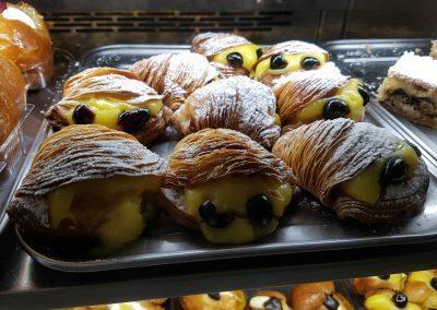 sfogliatelle pastries